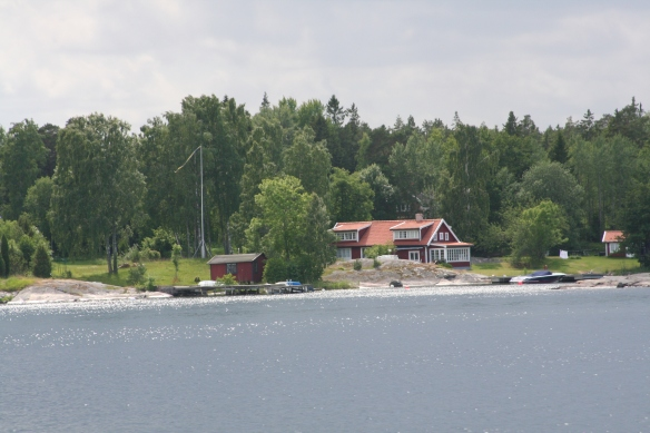 Cruising amongst Stockholms 30 000 islands.