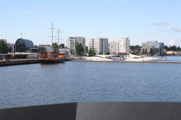 Arriving Kotka port, new Marina. Docking in the inner harbor at 09:03 am. We have run continuously for 16 hours and 267 distance.
