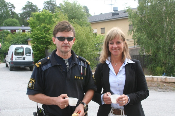 Sjöpolisen with Eva, enjoying a coffee break.